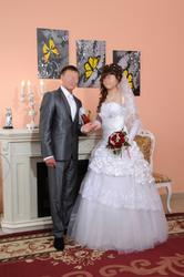 Cвадебное платье (стразы Swarovski; кружево на юбке)2013г + шубка!