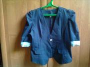 Женский,  молодежный пиджак,  46-48 размер,  в отличном состоянии.