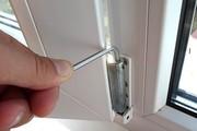 Регулировка пластиковых окон и дверей
