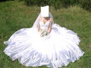 Сдаю шикарное свадебное платье,  цена договорная